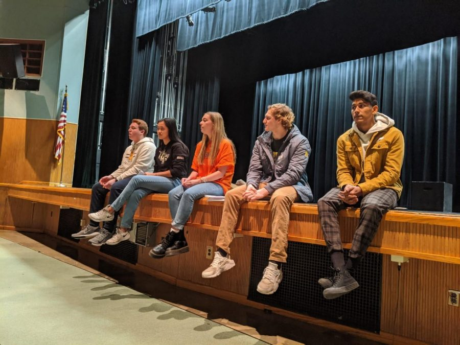 Class of 2019 students present to several seniors, what their life in college is like. They share stories and advice to the students.